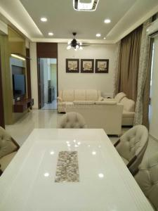 Gallery Cover Image of 1950 Sq.ft 3 BHK Apartment for rent in Pashan for 65000