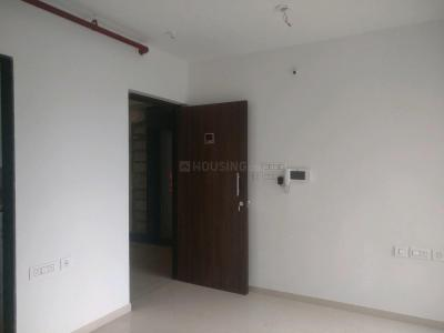 Gallery Cover Image of 900 Sq.ft 2 BHK Apartment for rent in Runwal Garden City Daffodil, Thane West for 22000
