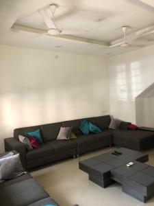 Gallery Cover Image of 2403 Sq.ft 3 BHK Villa for buy in Thaltej for 33000000