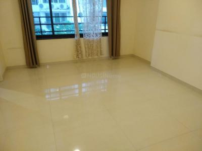 Gallery Cover Image of 5000 Sq.ft 4 BHK Apartment for rent in Satguru Flying Carpet, Khar West for 225000