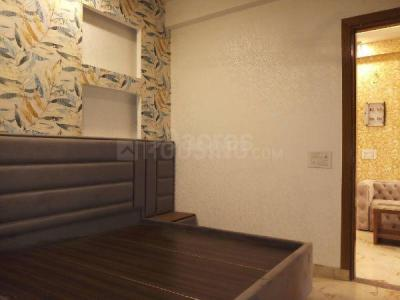 Gallery Cover Image of 1200 Sq.ft 3 BHK Apartment for buy in Gyan Khand for 4025000
