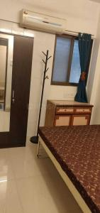 Gallery Cover Image of 550 Sq.ft 1 BHK Apartment for rent in Pooja Apartment, Bandra West for 40000