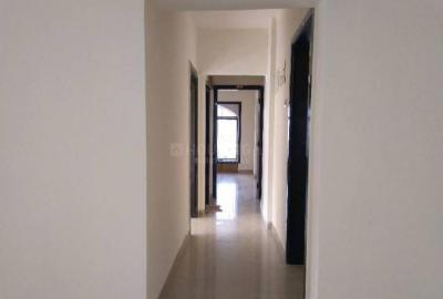 Gallery Cover Image of 700 Sq.ft 2 BHK Apartment for rent in Kandivali Sanghvi CHS, Kandivali West for 30000
