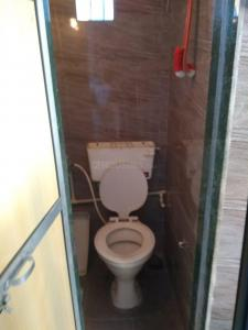 Bathroom Image of Samarth PG Service in Kandivali West