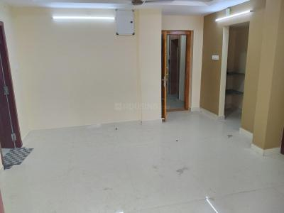 Gallery Cover Image of 930 Sq.ft 2 BHK Apartment for rent in Kolathur for 18000