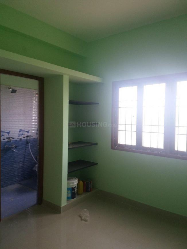 Bedroom Image of 900 Sq.ft 2 BHK Apartment for rent in Chromepet for 10000