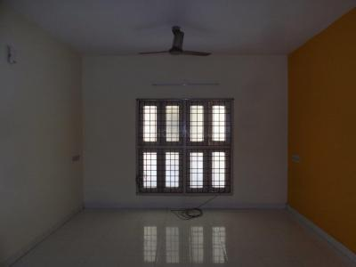 Gallery Cover Image of 1500 Sq.ft 3 BHK Apartment for rent in Velachery for 22000