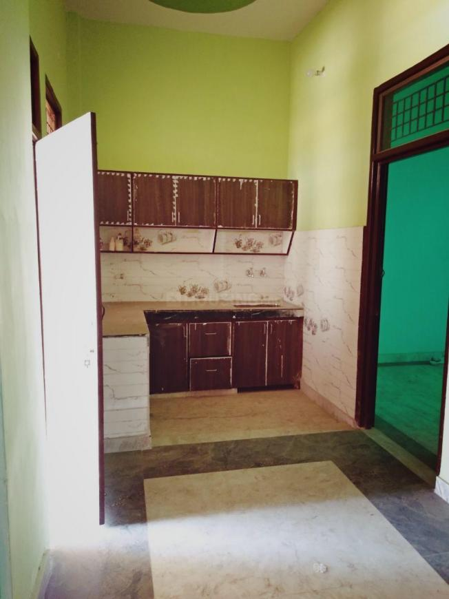 Kitchen Image of 900 Sq.ft 3 BHK Independent Floor for buy in Lal Kuan for 3600000