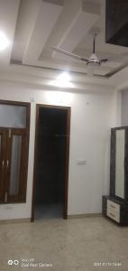Gallery Cover Image of 1500 Sq.ft 3 BHK Independent Floor for rent in MBN Shakti Khand 3, Shakti Khand for 16000