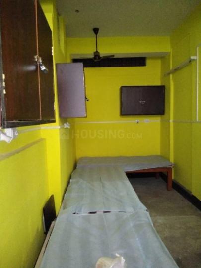 जड़ावपुर में चंदा लेडिज पीजी में बेडरूम की तस्वीर