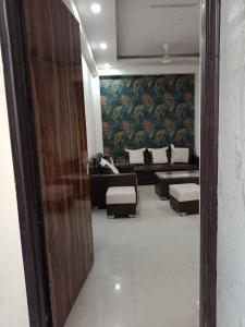Gallery Cover Image of 910 Sq.ft 2 BHK Independent Floor for buy in Noida Extension for 2210000