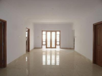 Gallery Cover Image of 1850 Sq.ft 3 BHK Apartment for buy in Kalyan Nagar for 14000000