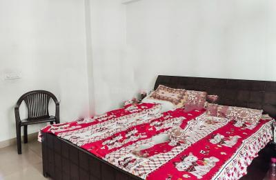 Gallery Cover Image of 1200 Sq.ft 3 BHK Apartment for rent in Crossings Republik for 20000