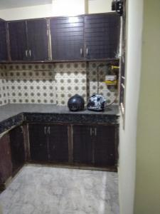 Gallery Cover Image of 520 Sq.ft 1 BHK Independent House for rent in Anupam Apartments CGHS, Shahdara for 11000