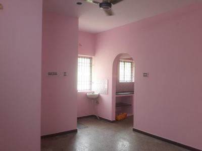 Gallery Cover Image of 500 Sq.ft 2 BHK Apartment for rent in Vadapalani for 12000