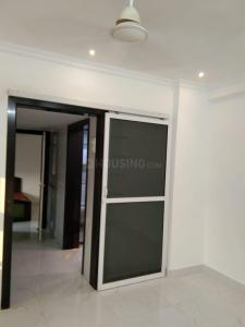 Gallery Cover Image of 410 Sq.ft 1 BHK Apartment for buy in Malad West for 5800000