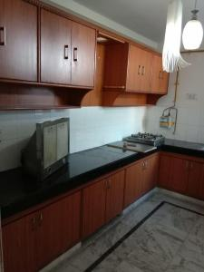 Gallery Cover Image of 1600 Sq.ft 3 BHK Apartment for rent in Sector 4 Dwarka for 28000