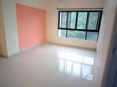 Gallery Cover Image of 1060 Sq.ft 3 BHK Apartment for rent in Kandivali East for 32000