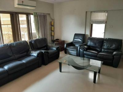 Gallery Cover Image of 2100 Sq.ft 4 BHK Apartment for rent in Juhu for 250000