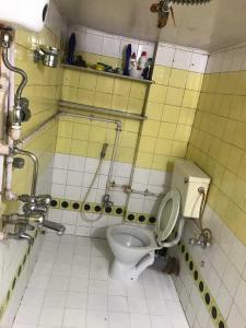 Bathroom Image of PG 4271489 Malabar Hill in Malabar Hill