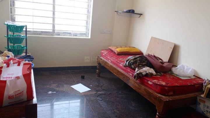 जलहल्ली में मेथी पीजी के बेडरूम की तस्वीर