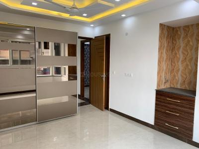 Gallery Cover Image of 1900 Sq.ft 3 BHK Apartment for rent in Sector 23 Dwarka for 35000
