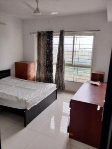 Gallery Cover Image of 1700 Sq.ft 3 BHK Apartment for rent in Kharadi for 40000