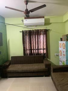 Gallery Cover Image of 639 Sq.ft 1 BHK Apartment for buy in Dhwani Developers Heights, Isanpur for 2700000