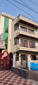 900 Sq.ft Residential Plot for Sale in Sector 9, Gurgaon