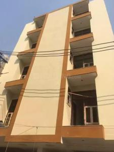 Gallery Cover Image of 450 Sq.ft 1 BHK Independent Floor for buy in Sector 105 for 1800000