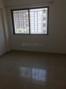 Gallery Cover Image of 750 Sq.ft 2 BHK Apartment for buy in Hadapsar for 5000000