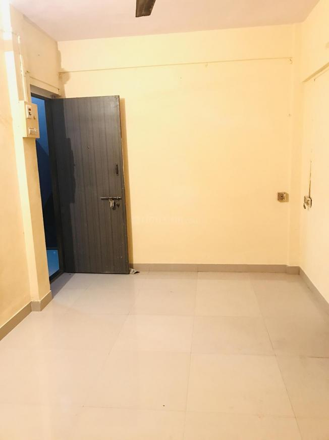 Bedroom Image of 310 Sq.ft 1 RK Apartment for rent in Kandivali East for 13000