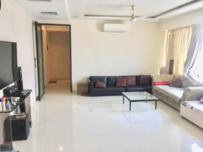 Gallery Cover Image of 1300 Sq.ft 3 BHK Apartment for buy in Bandra West for 50000000