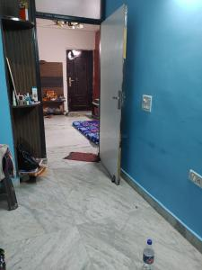 Gallery Cover Image of 750 Sq.ft 1 BHK Independent Floor for buy in Vaibhav Khand for 2700000
