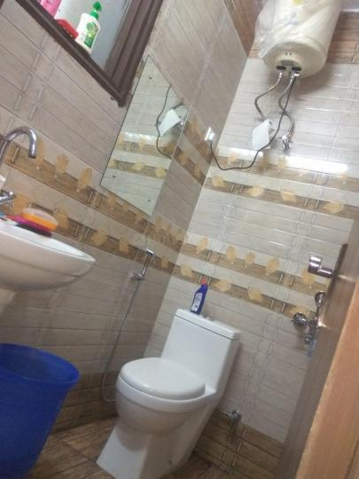 Common Bathroom Image of PG For Boys In Sector 38 Subhash Chowk Sohna Road Gurgaon in Sector 48