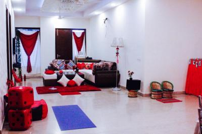 Gallery Cover Image of 1200 Sq.ft 3 BHK Independent Floor for rent in Chhattarpur for 29000