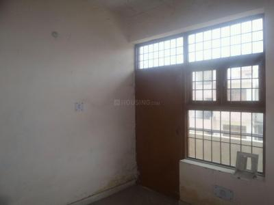 Gallery Cover Image of 324 Sq.ft 1 BHK Apartment for rent in Sector 76 for 4000