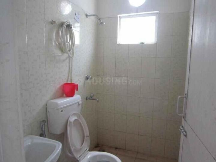 Common Bathroom Image of 950 Sq.ft 1 BHK Apartment for rent in Sodepur for 6000