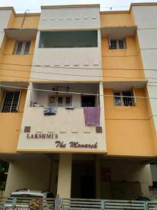 Gallery Cover Image of 860 Sq.ft 2 BHK Apartment for buy in Lakshmi Flats, Kolathur for 4500000