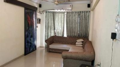 Gallery Cover Image of 750 Sq.ft 2 BHK Apartment for rent in Goregaon West for 55000
