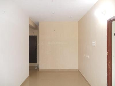 Gallery Cover Image of 790 Sq.ft 2 BHK Apartment for buy in Pattabiram for 2550000