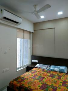 Gallery Cover Image of 250 Sq.ft 1 RK Apartment for rent in Megha CHS, Prabhadevi for 25000