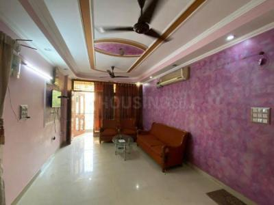 Gallery Cover Image of 1300 Sq.ft 3 BHK Apartment for buy in Karishma Apartment, Patparganj for 12500000