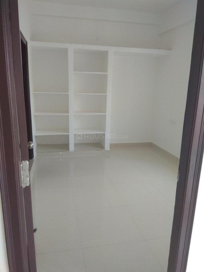 Bedroom Image of 750 Sq.ft 2 BHK Apartment for rent in Isnapur for 10000