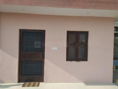 Gallery Cover Image of 450 Sq.ft 1 RK Apartment for rent in DDA Flats, Sector 5 Dwarka for 11500