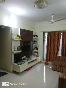 Gallery Cover Image of 905 Sq.ft 2 BHK Apartment for buy in Thane West for 9800000