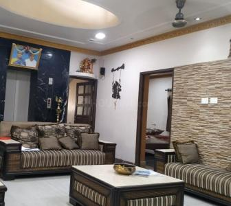 Gallery Cover Image of 4500 Sq.ft 5 BHK Apartment for rent in Velachery for 150000