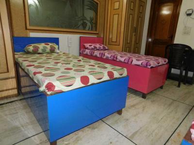 जीटीबी नगर में स्पिकिंग वाल्स में बेडरूम की तस्वीर