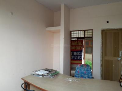 Gallery Cover Image of 540 Sq.ft 1 BHK Independent Floor for buy in Sector 76 for 650000