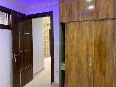 Gallery Cover Image of 1300 Sq.ft 2 BHK Apartment for rent in DLF One Midtown, Karampura for 32000